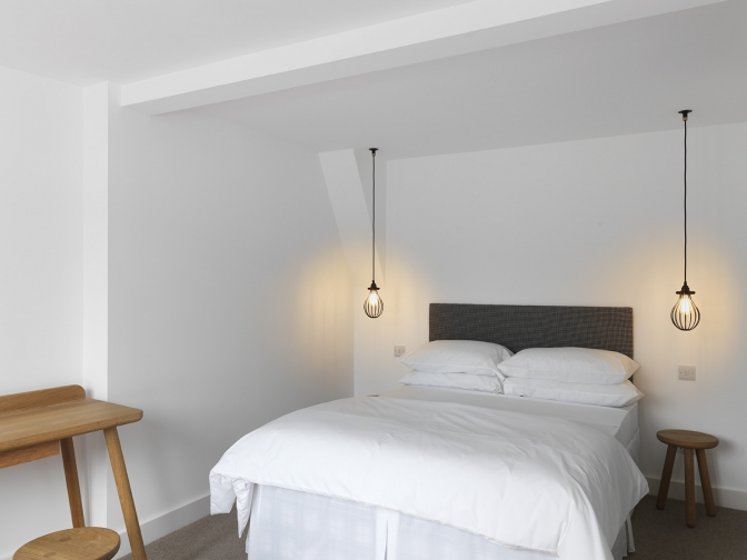 cage pendant lights in the bedroom