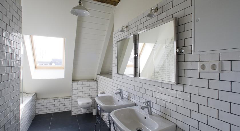 bathroom wall and ceiling lights berline base