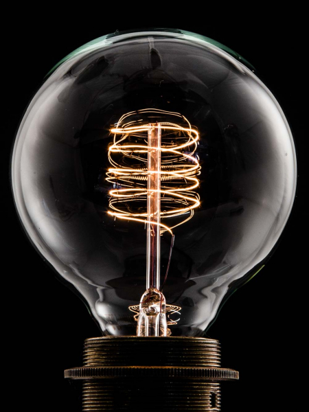 Small Globe Loop Filament Bulb | B22 Bayonet | 60W