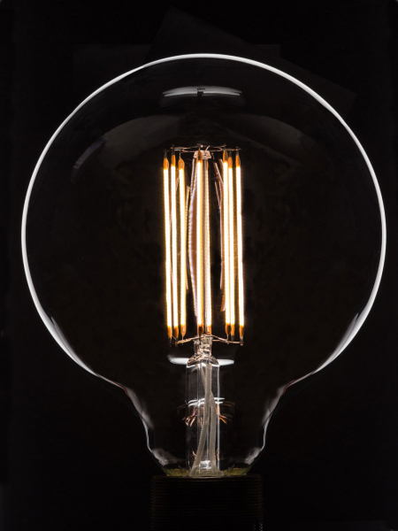 Large Globe LED-Filament Bulb | B22 Bayonet