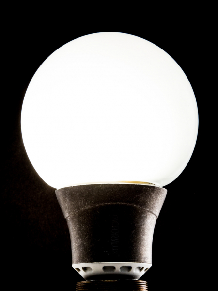 Eco-LED Light Bulb Dimmable Globe E27