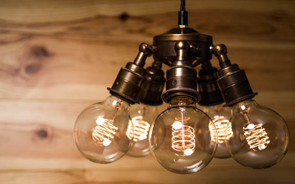 Small Globe Loop Filament Bulbs | E27 & B22 | 40W & 60W